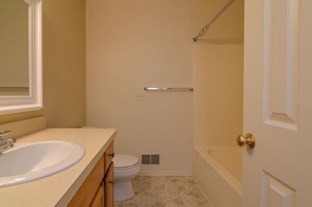 627 Ridgewood Court - Photo 16