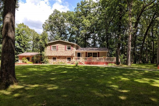 2215 kalmbach Grass Lake MI 49240