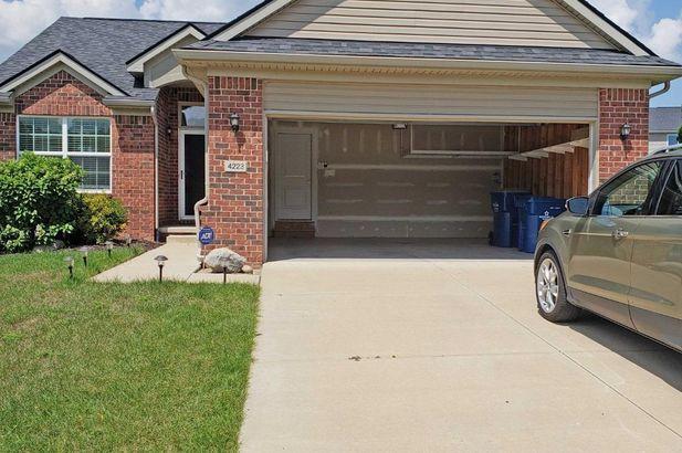 4223 Cloverlane Drive - Photo 2