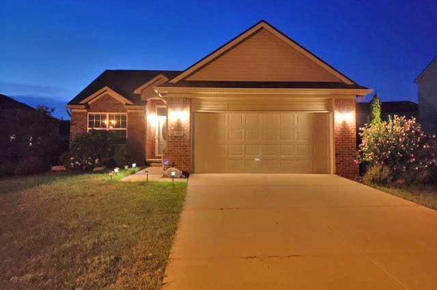 4223 Cloverlane Drive - Photo 3