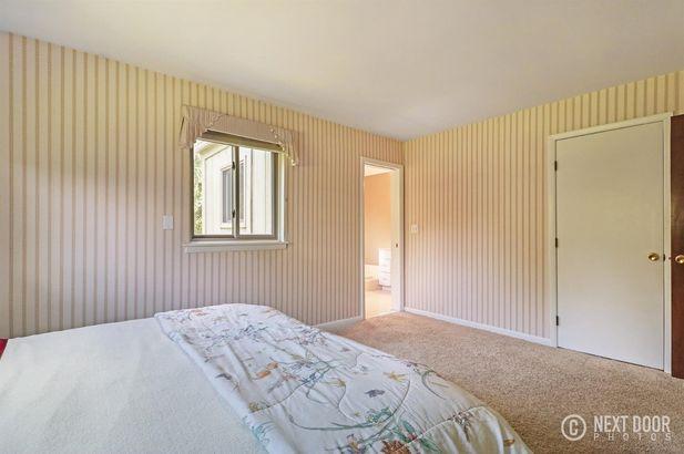 5925 Pine View Drive - Photo 22