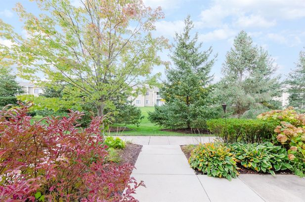 5762 Hampshire Lane #22 - Photo 4