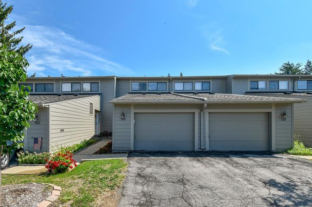 740 Peninsula Court - Photo 24