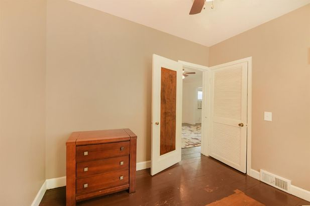 954 Ridge Court - Photo 12