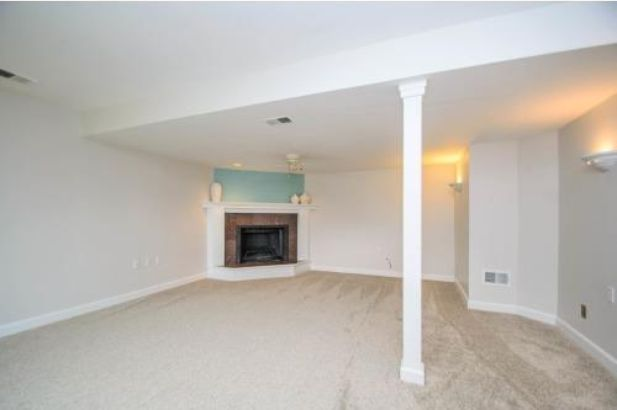 8469 Berkshire Drive - Photo 16
