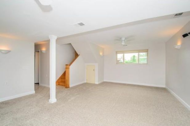 8469 Berkshire Drive - Photo 17