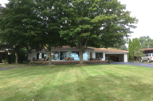 21190 East River Road - Photo 14