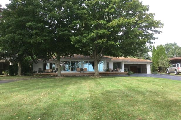 21190 East River Road - Photo 33