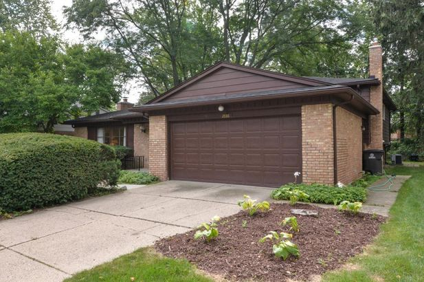 2886 N Baylis Drive - Photo 36