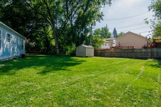 2541 Eastlawn Avenue - Photo 24