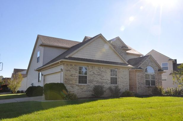 5513 Redbud Court - Photo 4