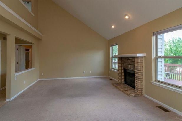 5513 Redbud Court - Photo 8