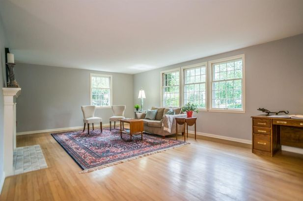 810 Berkshire Road - Photo 11