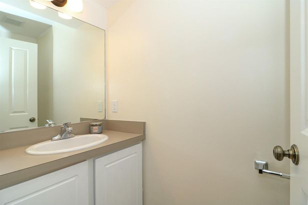 698 West Middle Street - Photo 3
