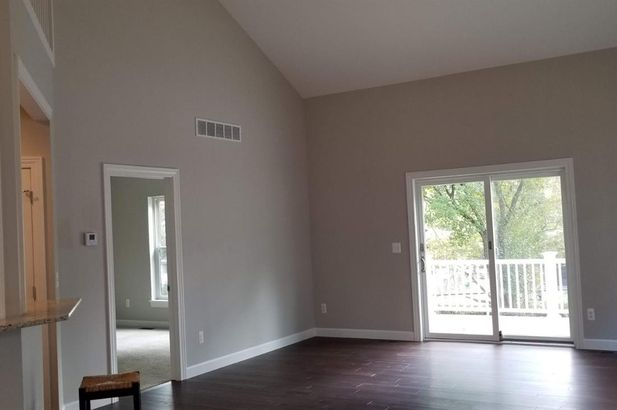 108 East Henry #810 - Photo 4