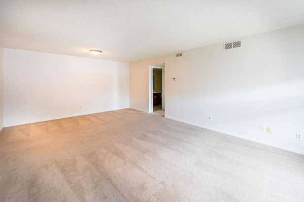 109 Fieldcrest #202 - Photo 14
