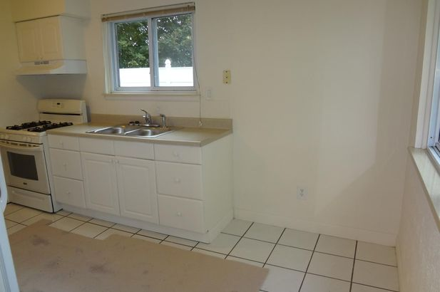 1385 Hawthorne Avenue - Photo 7