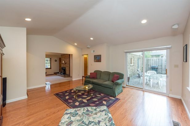3641 Larchmont Drive - Photo 8