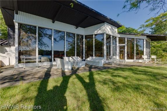 4831 OLD ORCHARD Trail Orchard Lake, Mi 48324