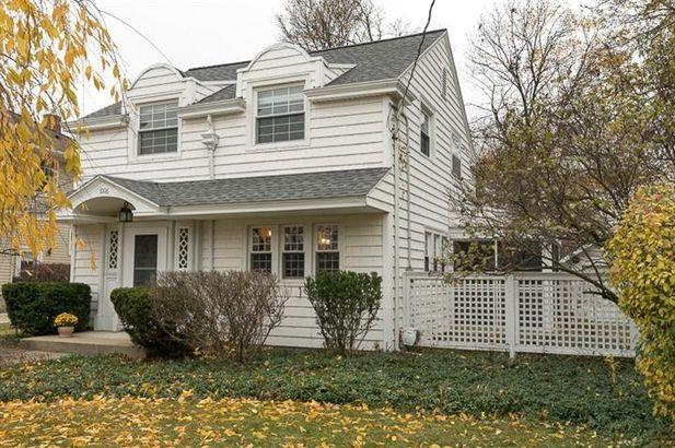 1006 Wildwood Avenue Jackson MI 49202