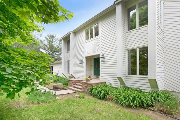 5975 Fox Hollow Court Ann Arbor MI 48105