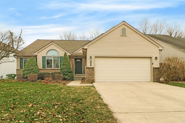 2392 Wildwood Trail Saline MI 48176