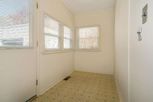577 Lakeview Avenue - Photo 16