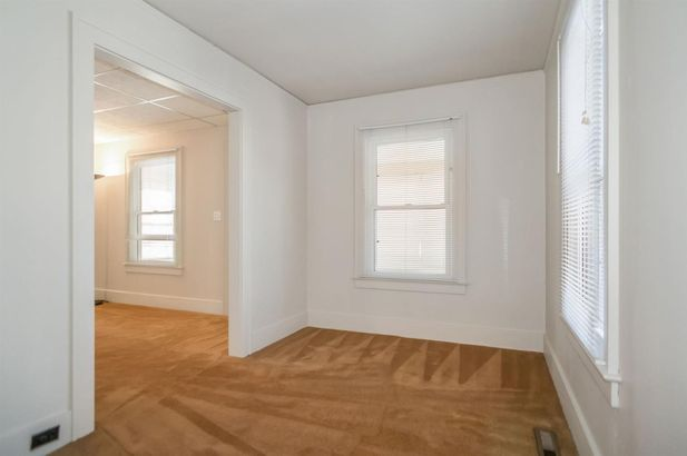 577 Lakeview Avenue - Photo 9
