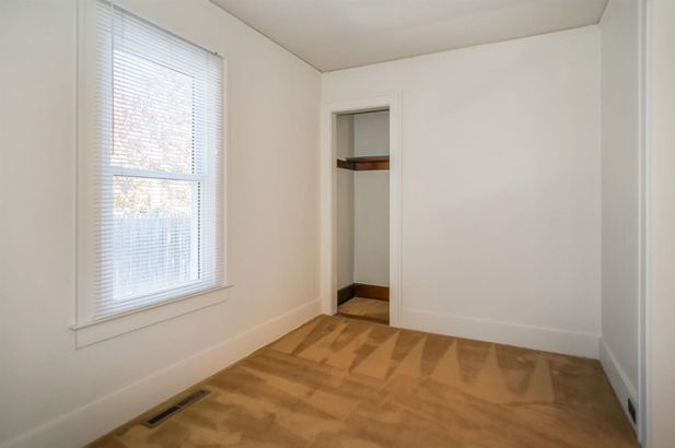 577 Lakeview Avenue - Photo 10