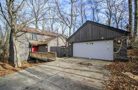 3995 Waldenwood Drive Ann Arbor, MI 48105 Photo 6