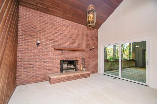 3995 Waldenwood Drive - Photo 4