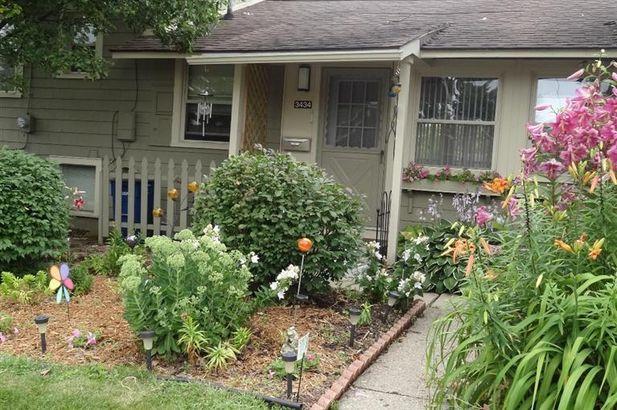 3434 Edgewood Drive - Photo 2