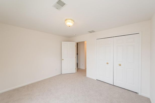 2800 S Knightsbridge Circle - Photo 11