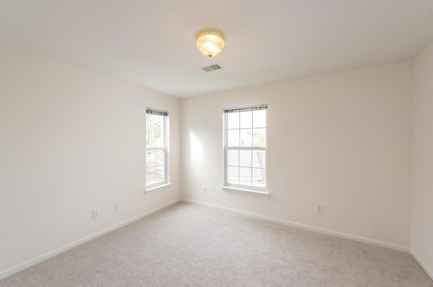 2800 S Knightsbridge Circle - Photo 10