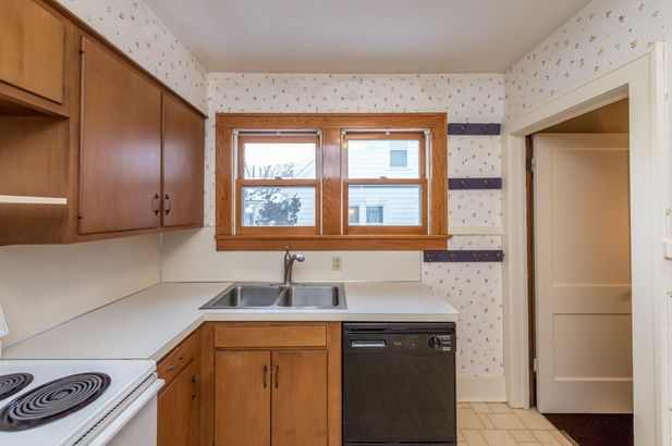 1220 Brooklyn Avenue - Photo 17