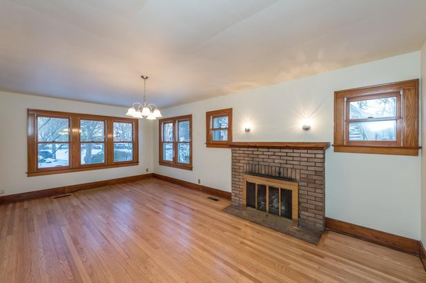 1220 Brooklyn Avenue - Photo 3