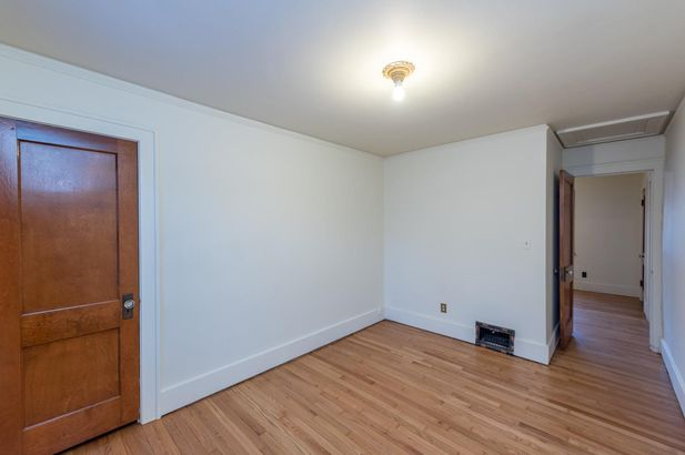 1220 Brooklyn Avenue - Photo 29