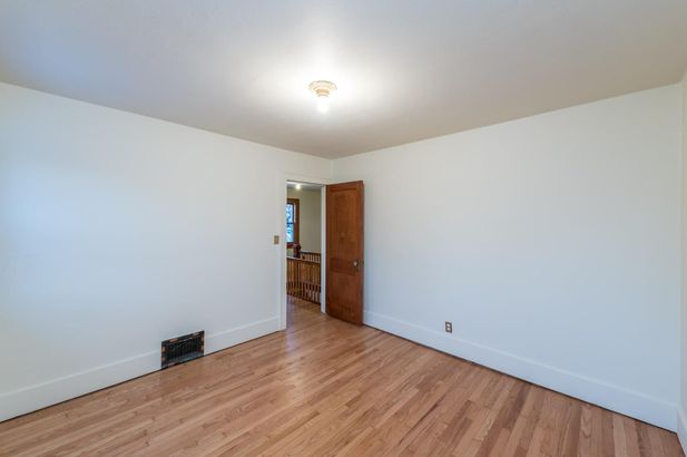 1220 Brooklyn Avenue - Photo 32