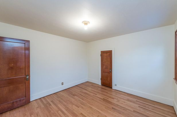 1220 Brooklyn Avenue - Photo 34