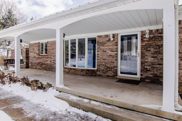 20995 Waterloo Road - Photo 49