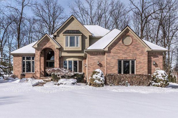 3938 Deerglen Drive Ann Arbor MI 48108