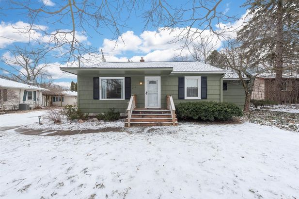 676 Ironwood Drive Ann Arbor MI 48103