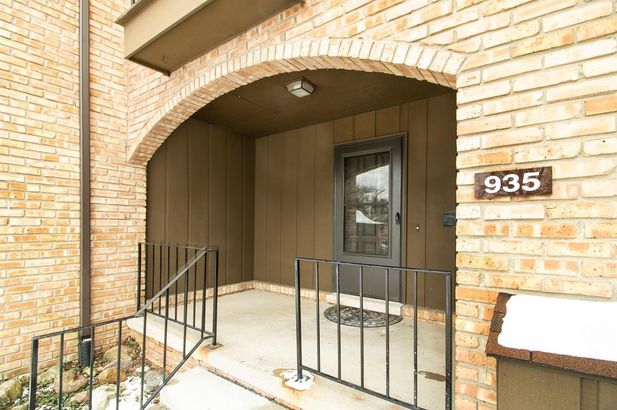 935 Greenhills Drive - Photo 2