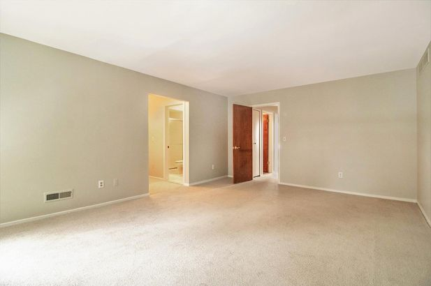 935 Greenhills Drive - Photo 17