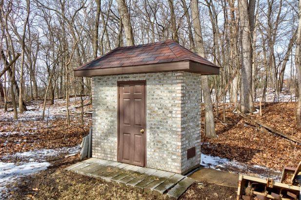 8147 Woods Trail - Photo 37
