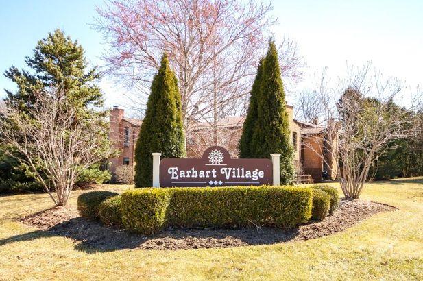 1076 Greenhills Drive Ann Arbor MI 48105