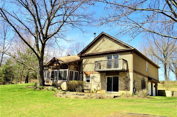 15911 Cavanaugh Lake Road - Photo 4