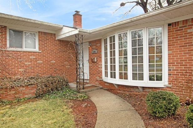 2301 Manchester Road - Photo 4