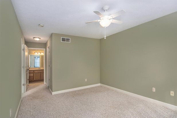4005 Eastbridge Circle - Photo 14