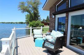 9455 LAKEPOINTE Drive Whitmore Lake, MI 48189 Photo 4